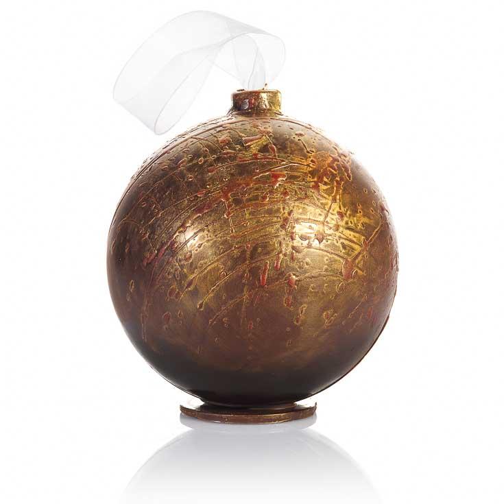 Boule Fabergé à offrir, couleur or et carmin