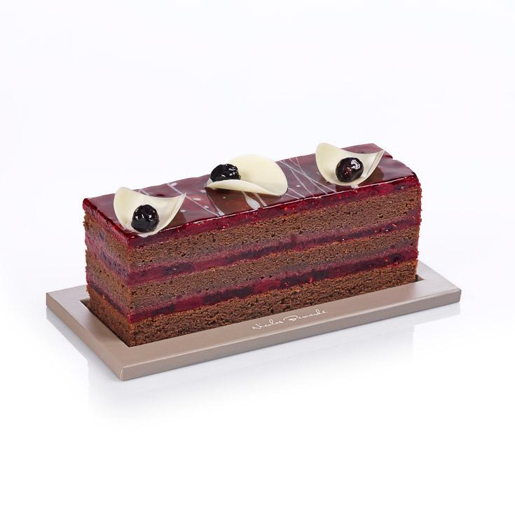 Accompagnez vos lectures de la semaine avec le Cake fruits rouges chocolat