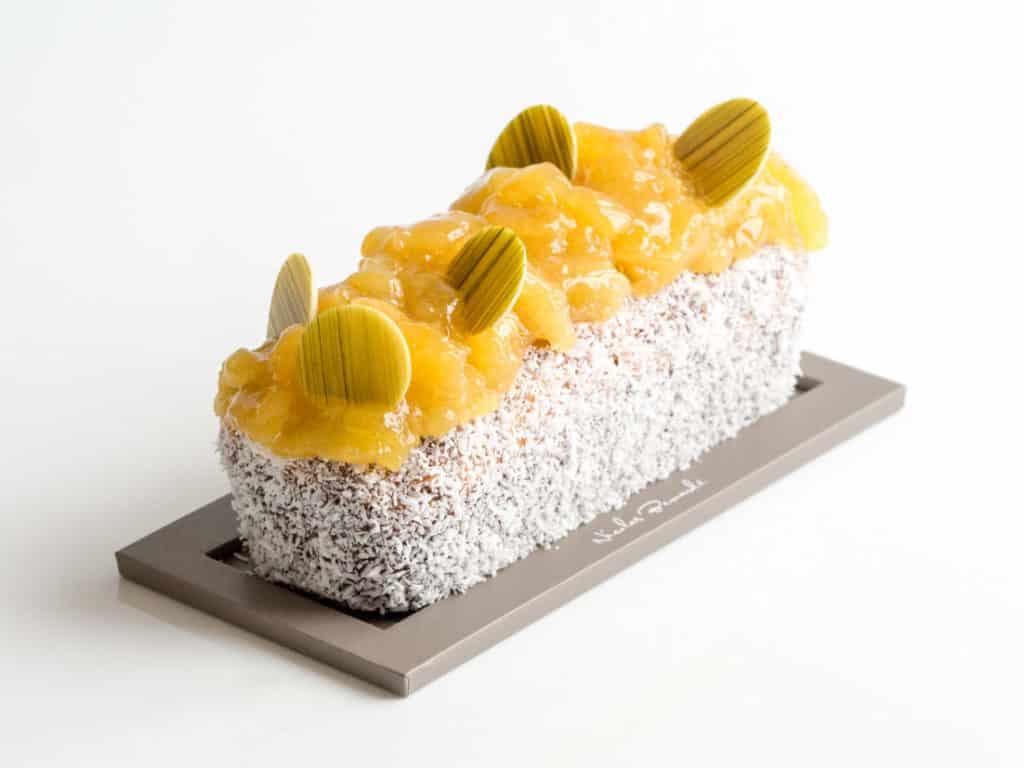 Surfez sur un gâteau de voyage solaire, le Cake Ananas Coco