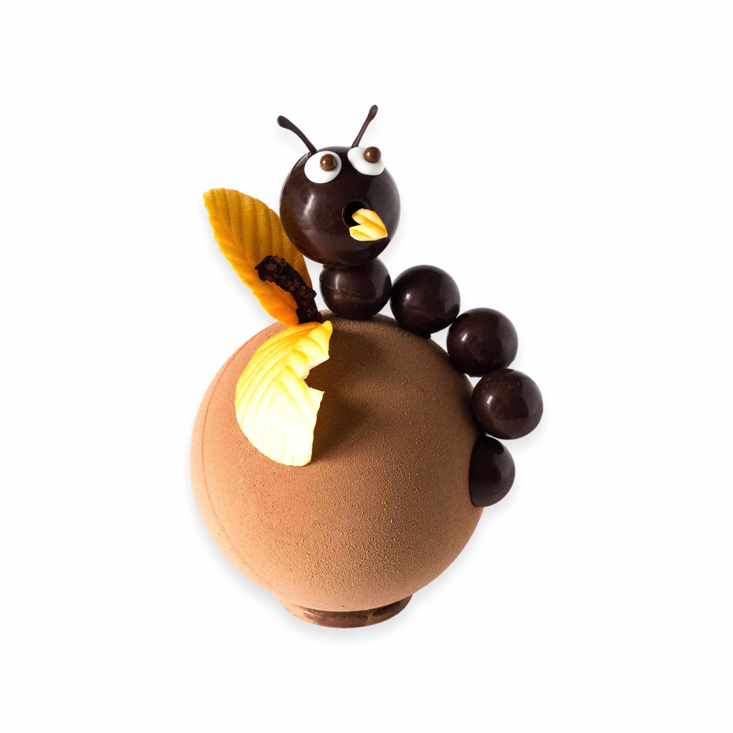 chenille dans une pomme-chocolat-paques