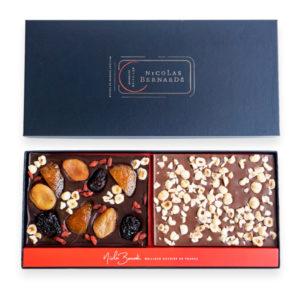 Double tablettes de chocolat grand cru aux fruits confits et aux fruits secs