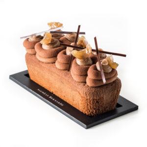 cake au marron surmonté de marrons glacés