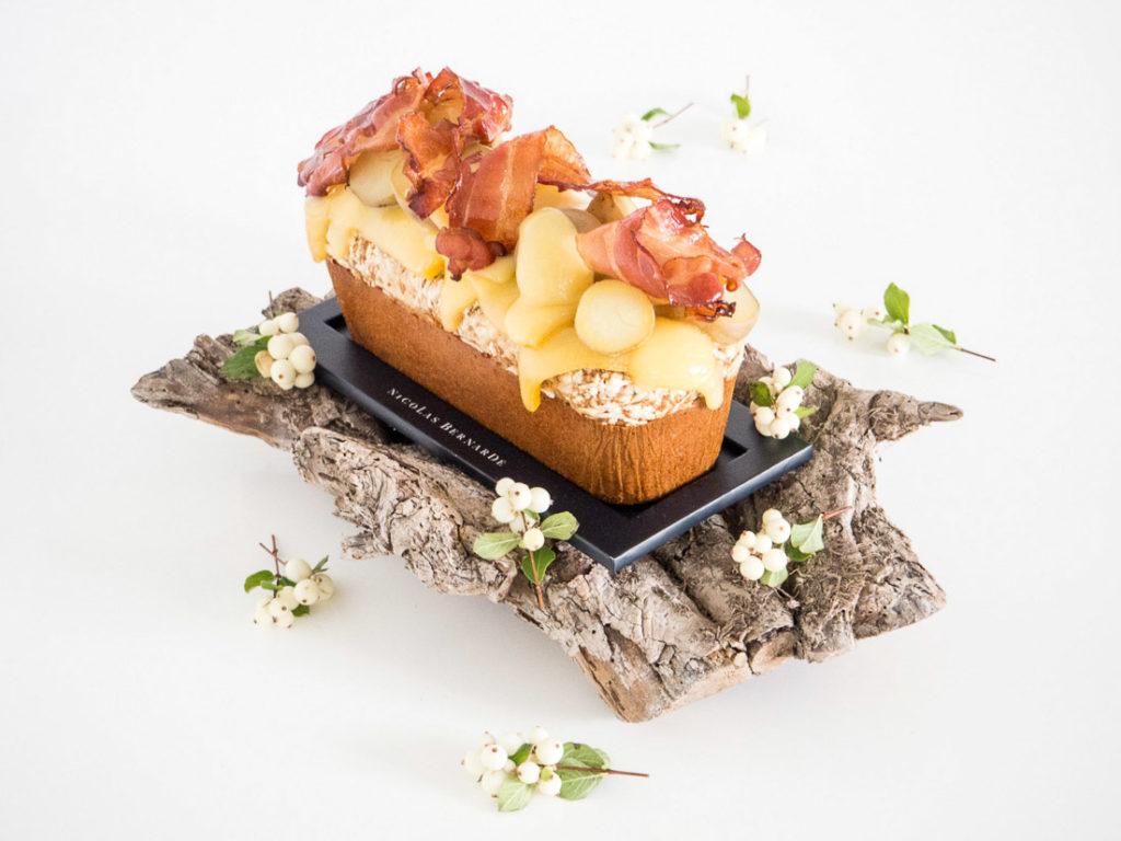 Cake salé raclette lardons oignons et pommes de terre