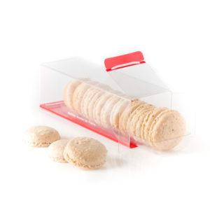 Biscuits macarons à l'ancienne dans leur boite transparente