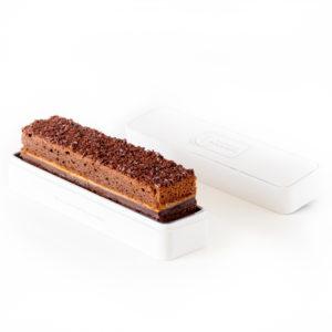 cake de poche chocolat et caramel dans sa boite en métal