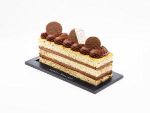 Cake biscuit noisette, ganache chocolat et café