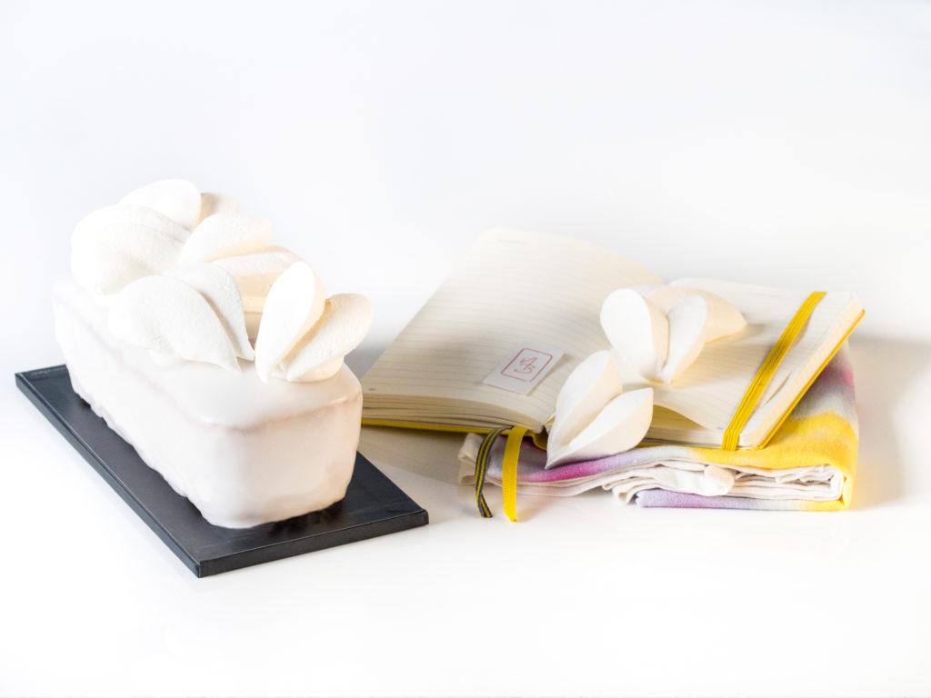 Cake citron meingue de la Saint Valentin, tout de blanc vétu