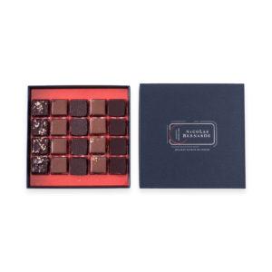 Boite chocolats à offrir, 20 bonbons dans une boite rouge et bleue